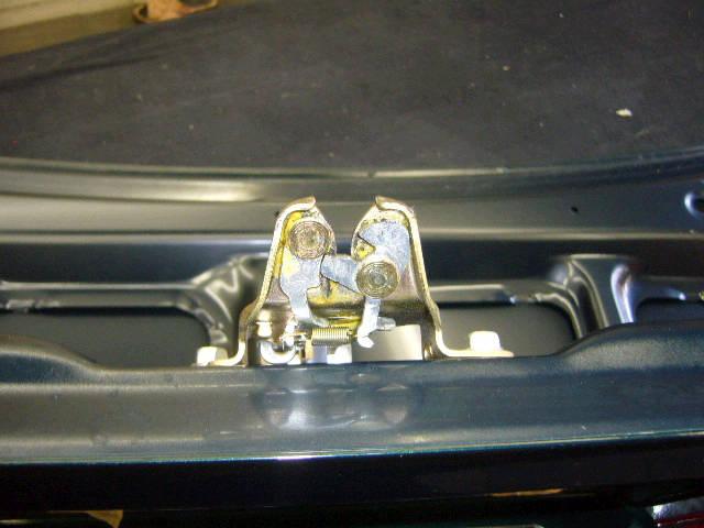 Крышка багажника TOYOTA VISTA SV50. Фото 1