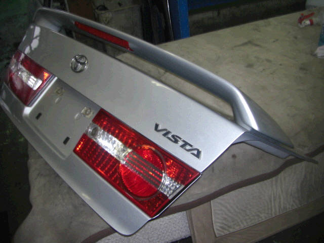 Крышка багажника TOYOTA VISTA ZZV50. Фото 1