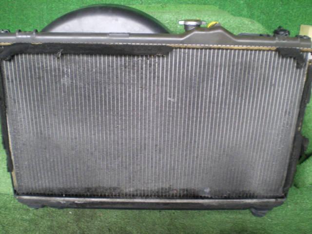 Радиатор ДВС TOYOTA MARK II JZX100 1JZ-GE. Фото 4