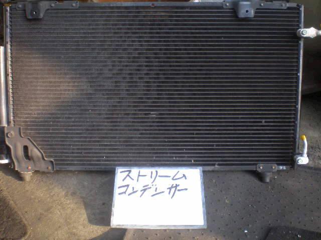 Радиатор кондиционера HONDA STREAM RN1 D17A. Фото 2