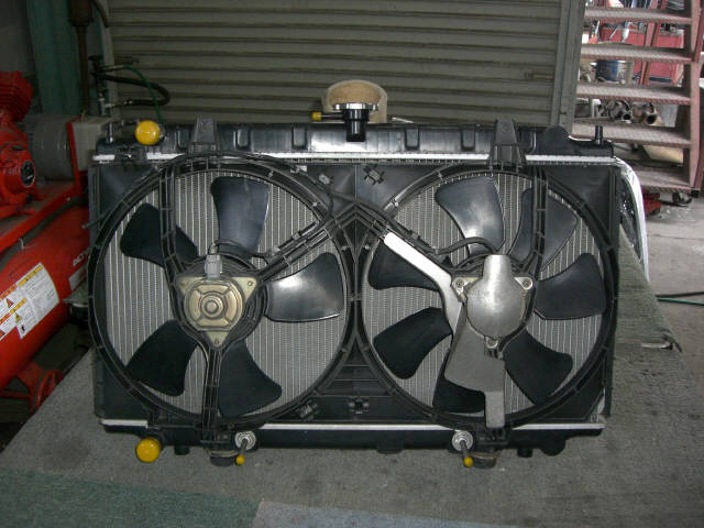 Радиатор ДВС NISSAN PRIMERA WAGON WQP11 QG18-DD. Фото 1