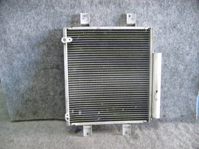 Радиатор кондиционера TOYOTA PASSO KGC10 1KR-FE. Фото 4