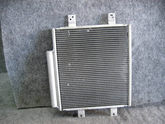 Радиатор кондиционера TOYOTA PASSO KGC10 1KR-FE. Фото 3