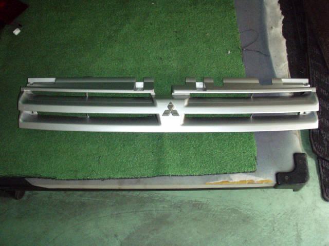 Решетка радиатора MITSUBISHI RVR N61W. Фото 3