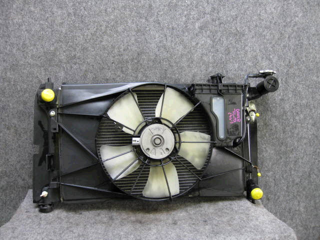 Радиатор ДВС TOYOTA WILL VS ZZE129 1ZZ-FE. Фото 1