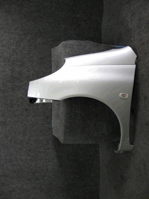 Крыло переднее TOYOTA FUN CARGO NCP20. Фото 1