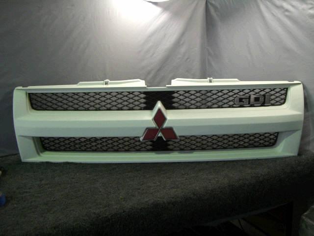 Решетка радиатора MITSUBISHI PAJERO IO H66W. Фото 6