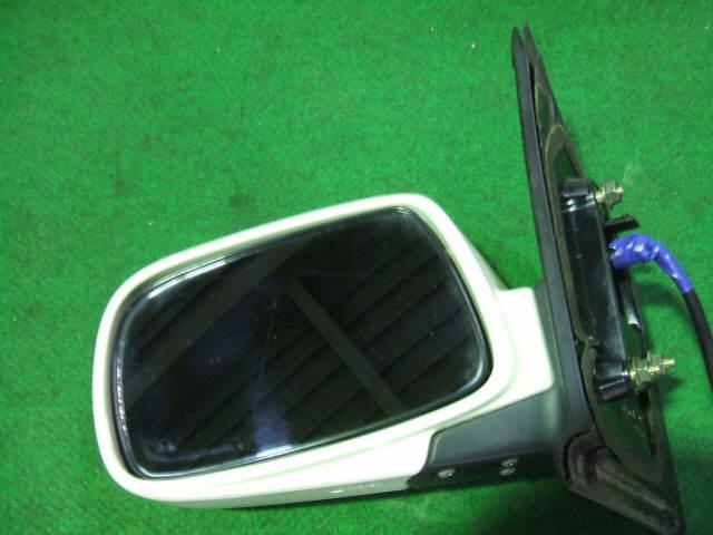 Зеркало двери боковой TOYOTA IST NCP65. Фото 6