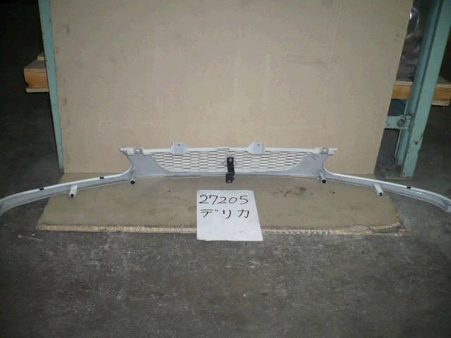 Решетка радиатора MITSUBISHI DELICA SPACE GEAR PD8W. Фото 6