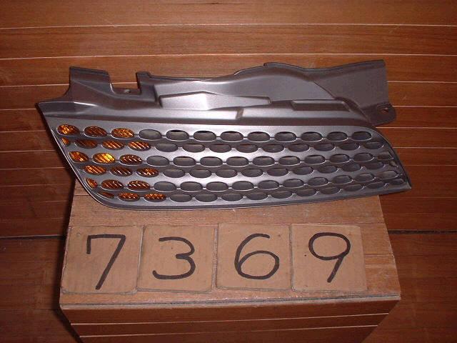 Решетка радиатора NISSAN MARCH AK12. Фото 6
