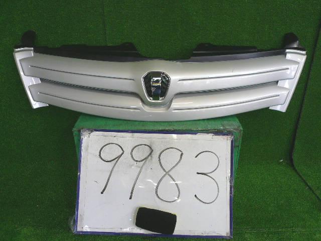 Решетка радиатора TOYOTA IST NCP60. Фото 5