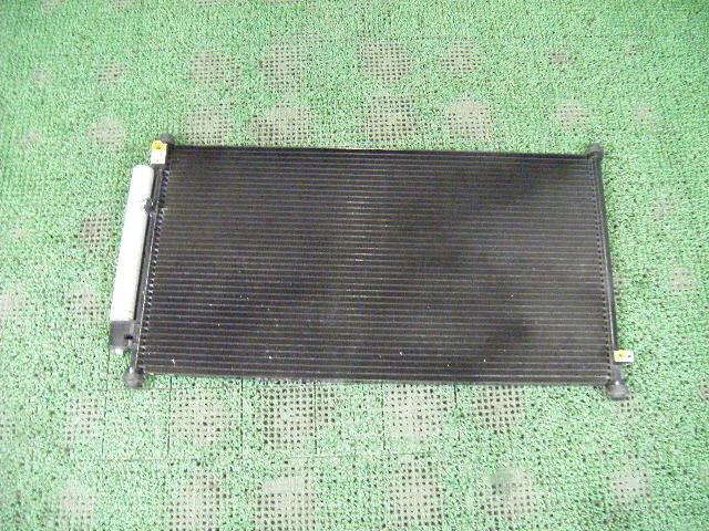Радиатор кондиционера HONDA FIT ARIA GD8 L15A. Фото 3