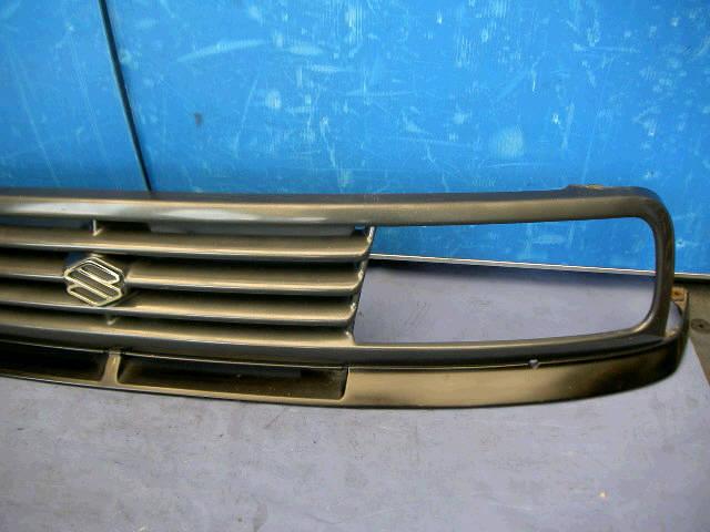 Решетка радиатора SUZUKI ESCUDO TA01W. Фото 2