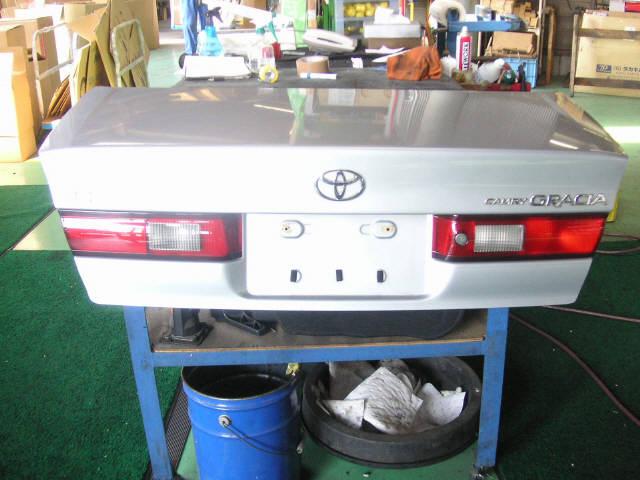 Крышка багажника TOYOTA CAMRY GRACIA SXV20. Фото 1