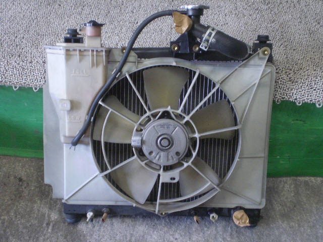 Радиатор ДВС TOYOTA IST NCP61 1NZ-FE. Фото 8