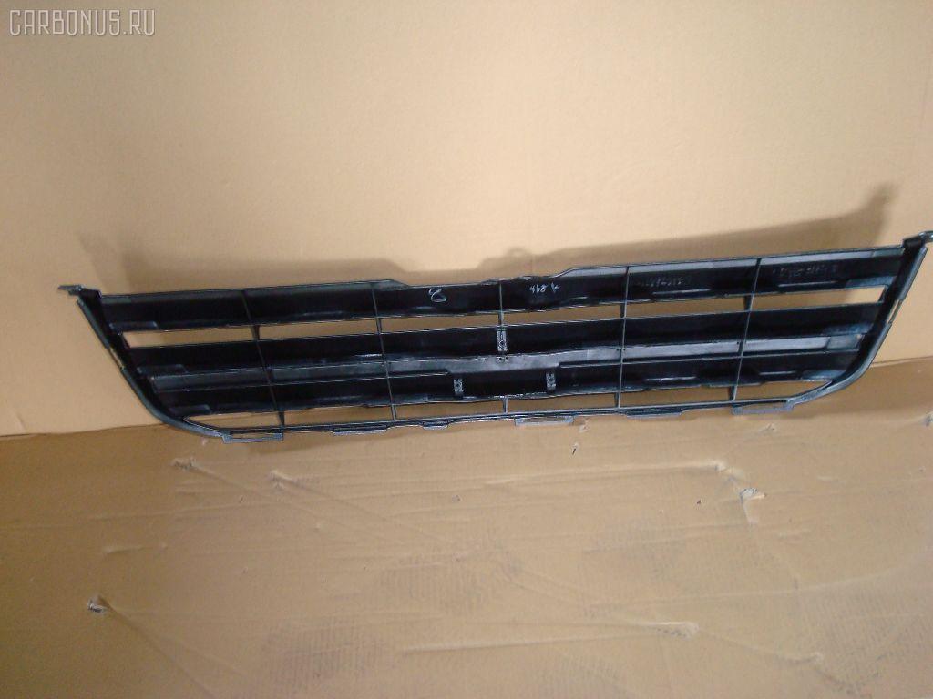 Решетка радиатора TOYOTA VOXY AZR65G. Фото 2