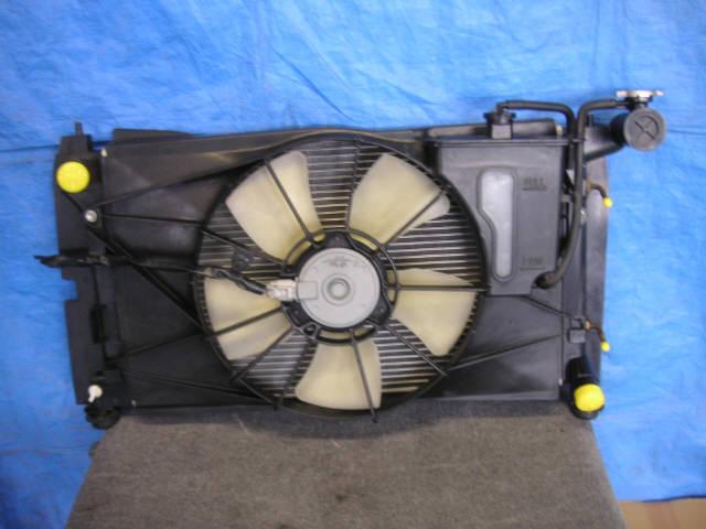 Радиатор ДВС TOYOTA WILL VS ZZE129 1ZZ-FE. Фото 4
