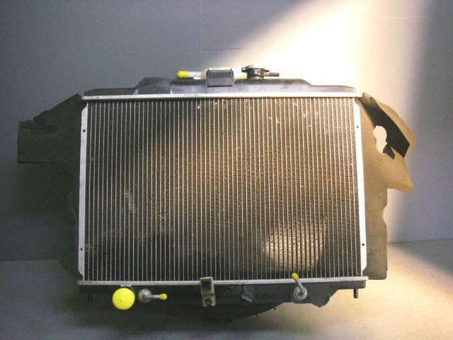 Радиатор ДВС NISSAN CARAVAN VPE25 KA20DE. Фото 3