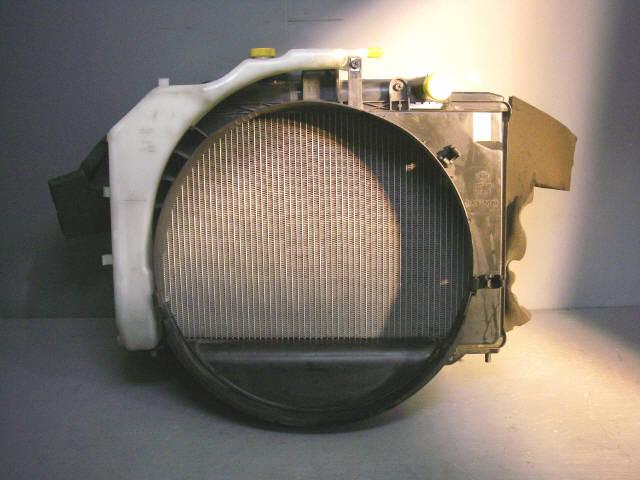Радиатор ДВС NISSAN CARAVAN VPE25 KA20DE. Фото 2