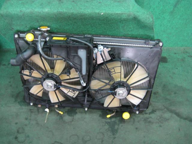 Радиатор ДВС TOYOTA CROWN MAJESTA UZS171 1UZ-FE. Фото 2