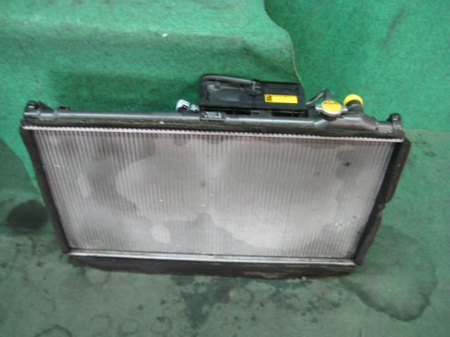 Радиатор ДВС TOYOTA CROWN MAJESTA UZS171 1UZ-FE. Фото 1