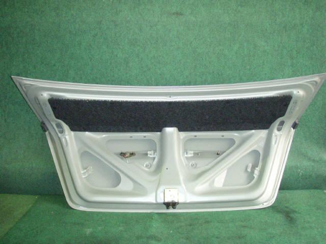 Крышка багажника TOYOTA COROLLA ZZE122. Фото 5