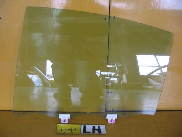 Стекло Nissan Skyline V35 Фото 1