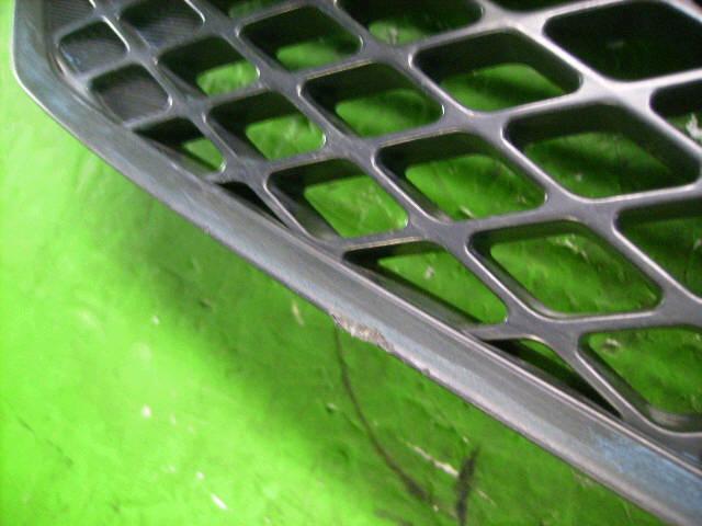 Решетка радиатора MAZDA DEMIO DY3W. Фото 10