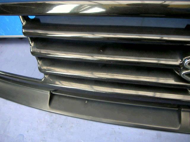 Решетка радиатора SUZUKI ESCUDO TA01W. Фото 5