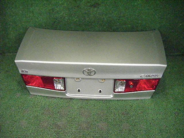 Крышка багажника TOYOTA CAMRY GRACIA SXV20. Фото 4