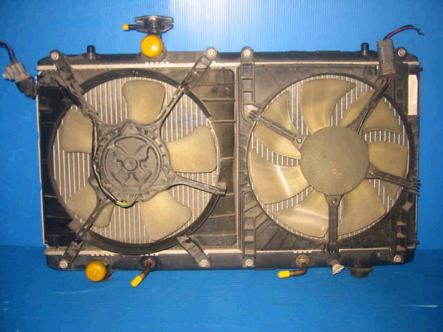 Радиатор ДВС SUZUKI AERIO WAGON RB21S M15A. Фото 6