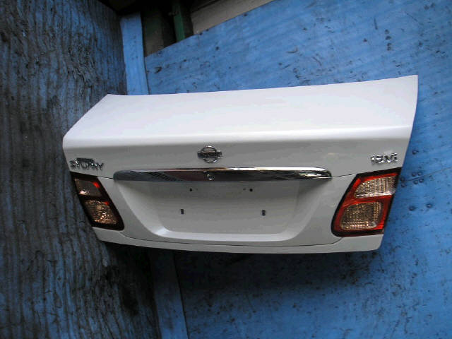 Крышка багажника NISSAN BLUEBIRD SYLPHY QG10. Фото 8