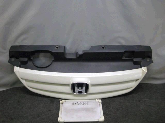 Решетка радиатора HONDA CIVIC FERIO ES1 Фото 1