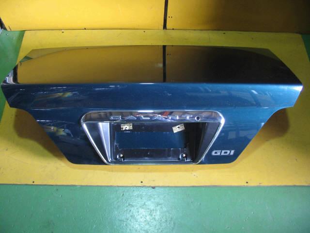 Крышка багажника MITSUBISHI GALANT EA1A. Фото 2