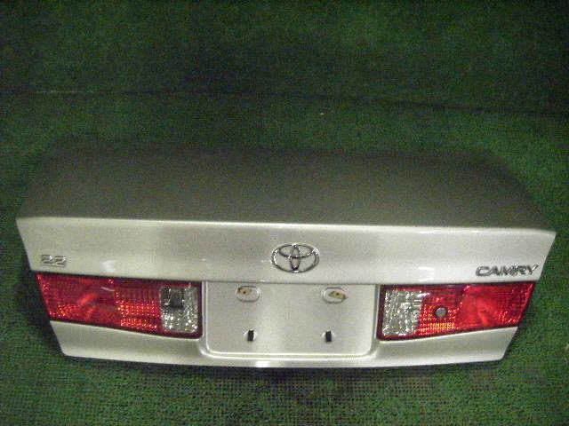 Крышка багажника TOYOTA CAMRY GRACIA SXV20. Фото 8