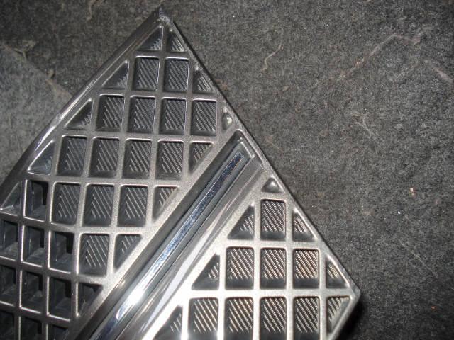 Решетка радиатора TOYOTA VOXY AZR65. Фото 3