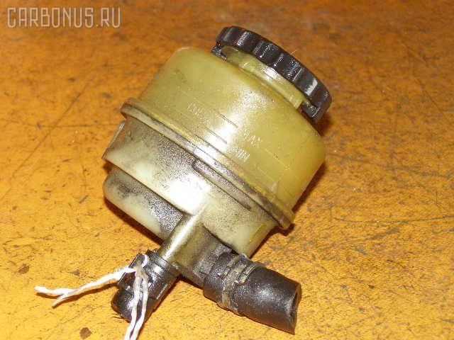 Бачок гидроусилителя TOYOTA VISTA SV43 3S-FE. Фото 1