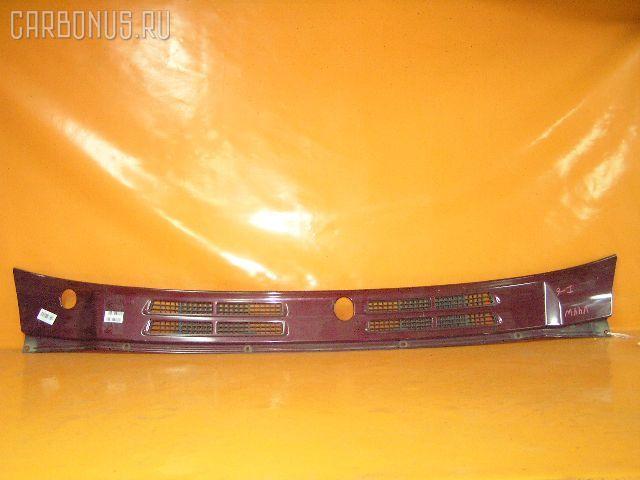 Решетка под лобовое стекло MITSUBISHI PAJERO V44W Фото 1