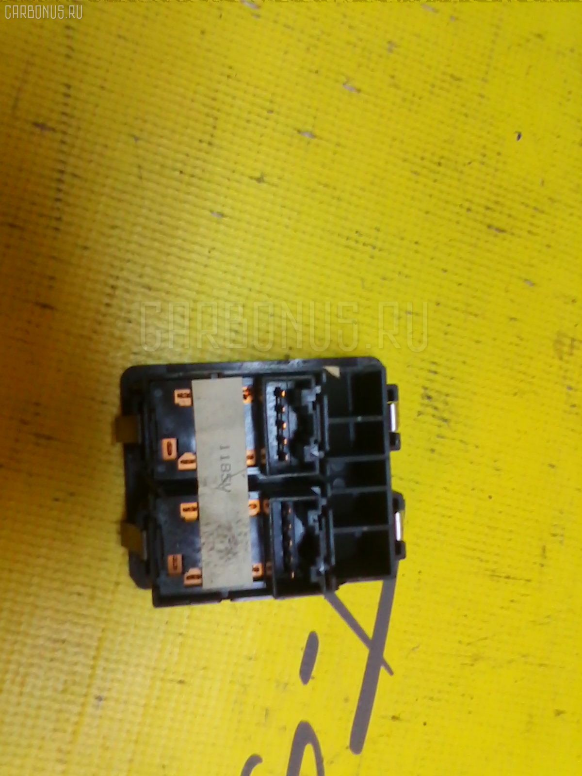 Блок упр-я стеклоподъемниками Suzuki Escudo TD11W Фото 1