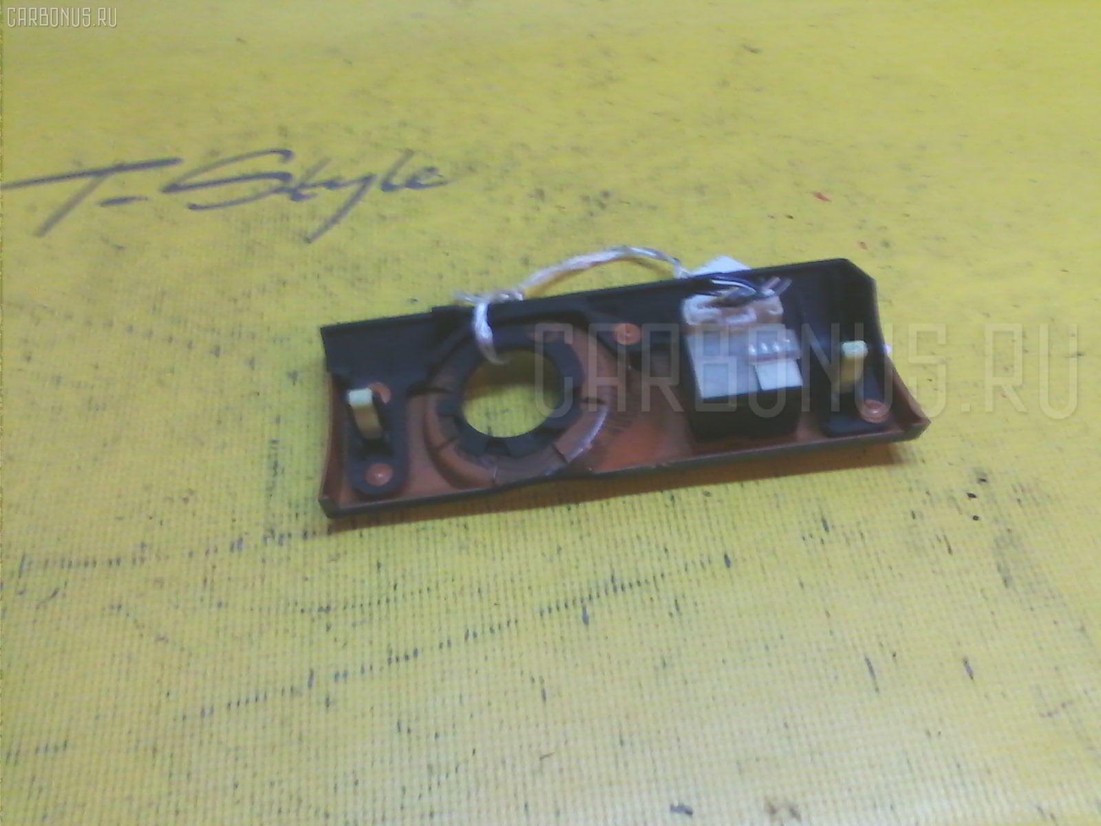 Блок управления зеркалами Toyota Mark ii blit JZX110W 1JZ-FSE Фото 1