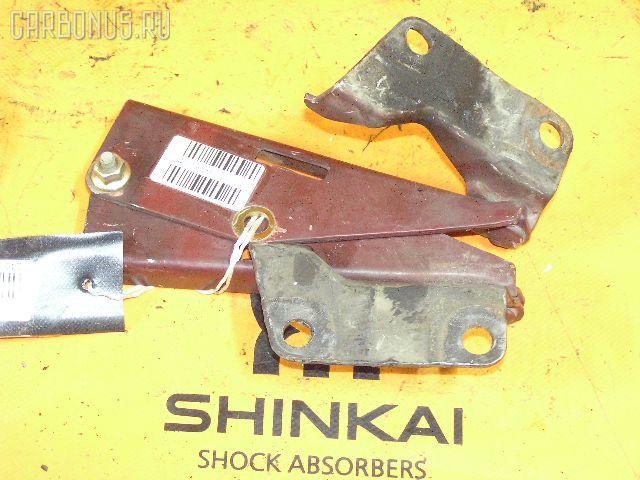Крепление капота Nissan Rnessa N30 Фото 1