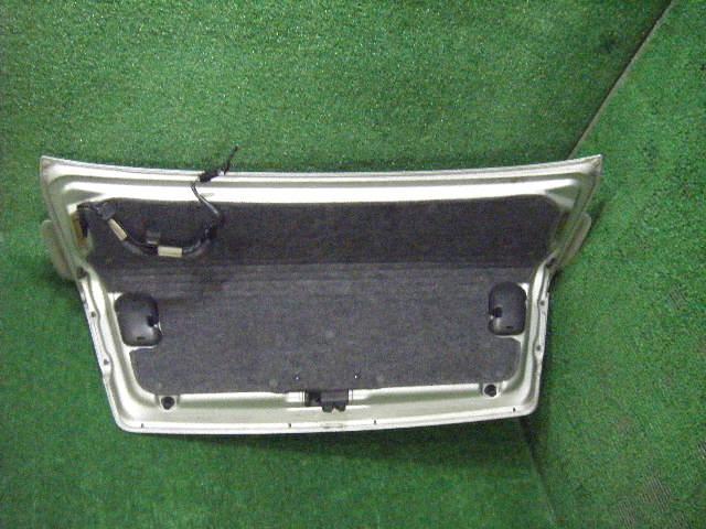 Крышка багажника SUBARU LEGACY B4 BE5. Фото 2
