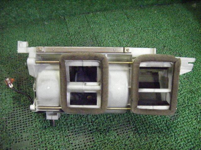 Мотор печки HONDA INSPIRE UA1. Фото 3