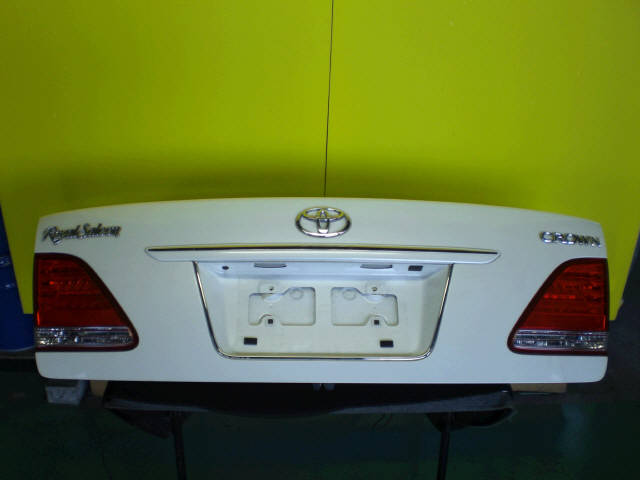 Крышка багажника TOYOTA CROWN GRS180. Фото 5