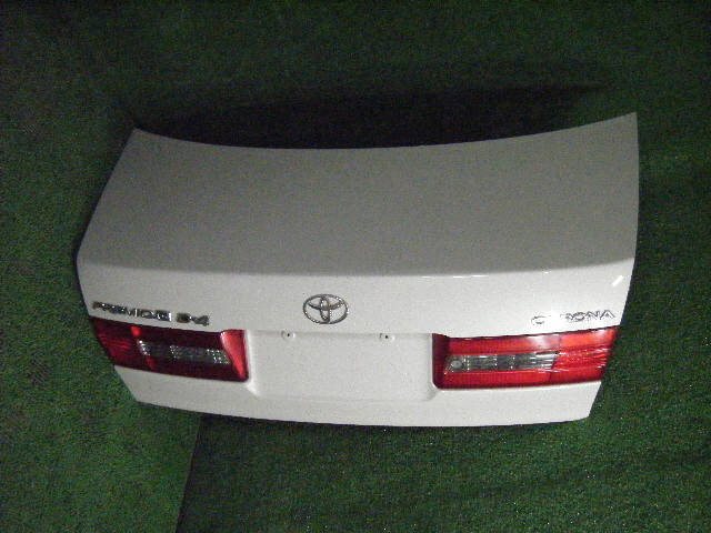 Крышка багажника TOYOTA CORONA PREMIO ST210. Фото 6