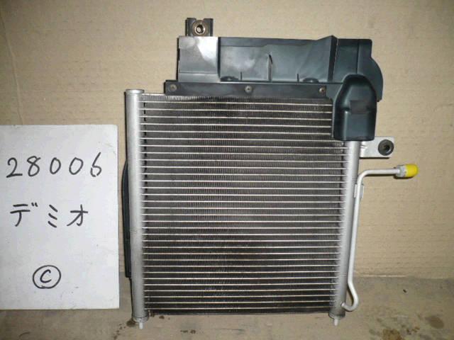 Радиатор кондиционера MAZDA DEMIO DW3W. Фото 3