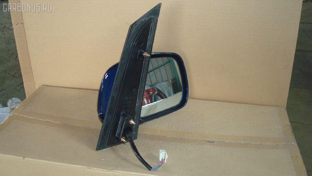Зеркало двери боковой TOYOTA NOAH AZR60G. Фото 3
