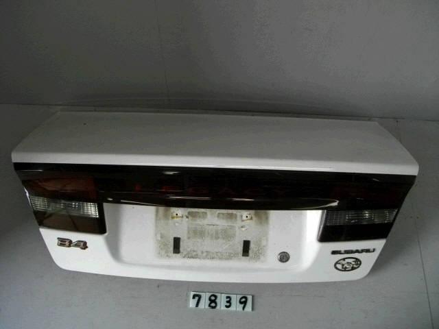 Крышка багажника SUBARU LEGACY B4 BE5. Фото 6