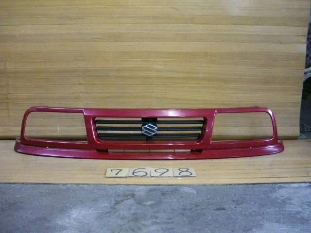 Решетка радиатора SUZUKI ESCUDO TD01W. Фото 3