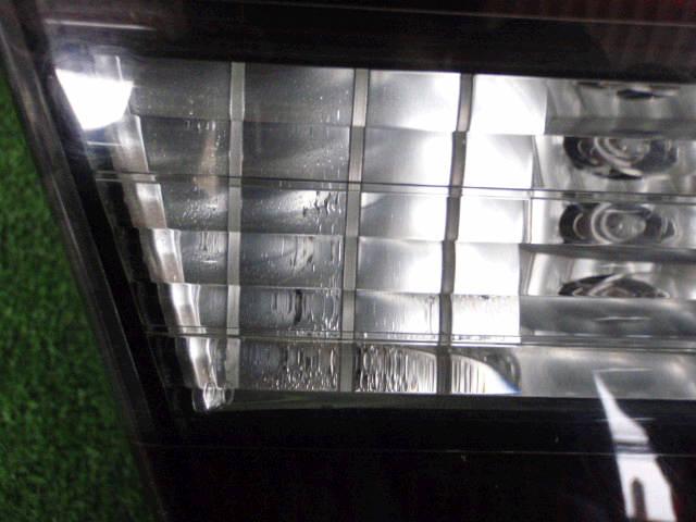 Крышка багажника SUBARU LEGACY BE5. Фото 10